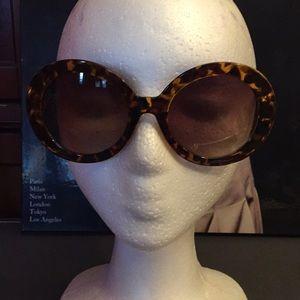 Accessories - Designer inspired sunglasses, BNWOT, in BLK or BRN